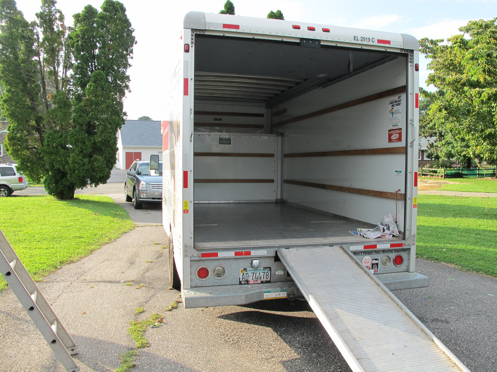 Tips for Safely Parking a Moving Truck Overnight